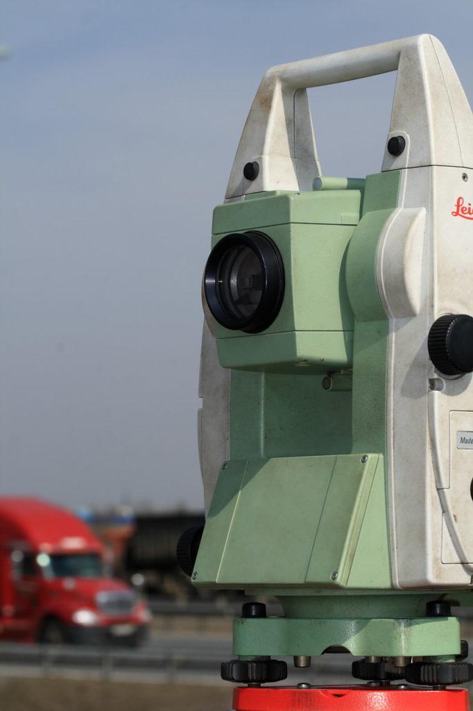электронный тахеометр Leica 1205